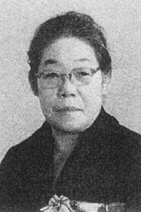篠崎ハル監督